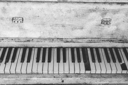 piano-instrument-music-keys-159448.jpeg